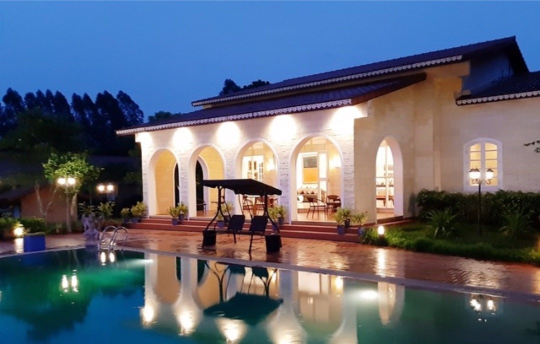 One-of-a-kind Mediterranean estate with large villa complex on 4 rai on a quiet road near Silverlake vineyard    - House - Na Jomtien - Silver Lake Area