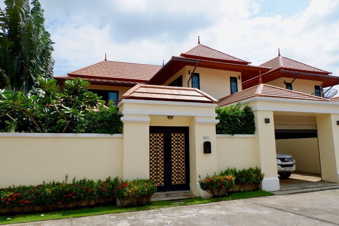 Thai/Bali Style Pool Villa Close to the Beach in Bang Sare - House - Bang Saray -