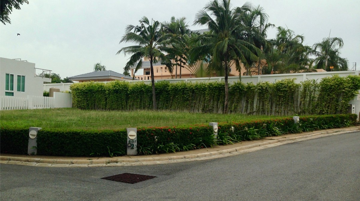 Corner Lot in upscale, gated, beachfront Community   - Land - Bang Saray -