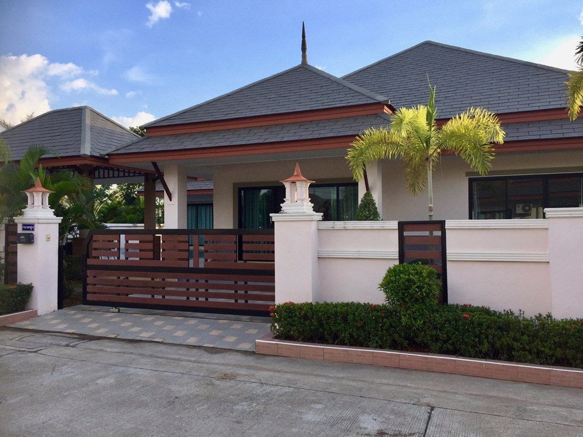 3 bedroom pool villa   - House - Bang Saray -