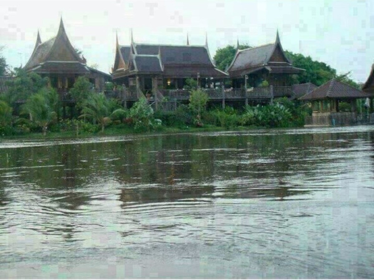 Stunning Thai style wooden house for sale  - House - Bangkok - Bang-Pla-Mah,  Suphanburi province.
