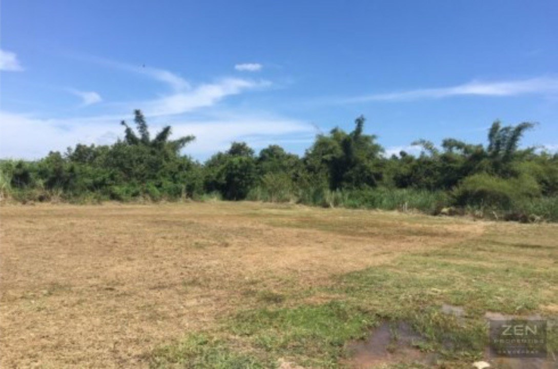 200TW just 925 meters from the beach in  Bang Sare.    - Land - Bang Saray -