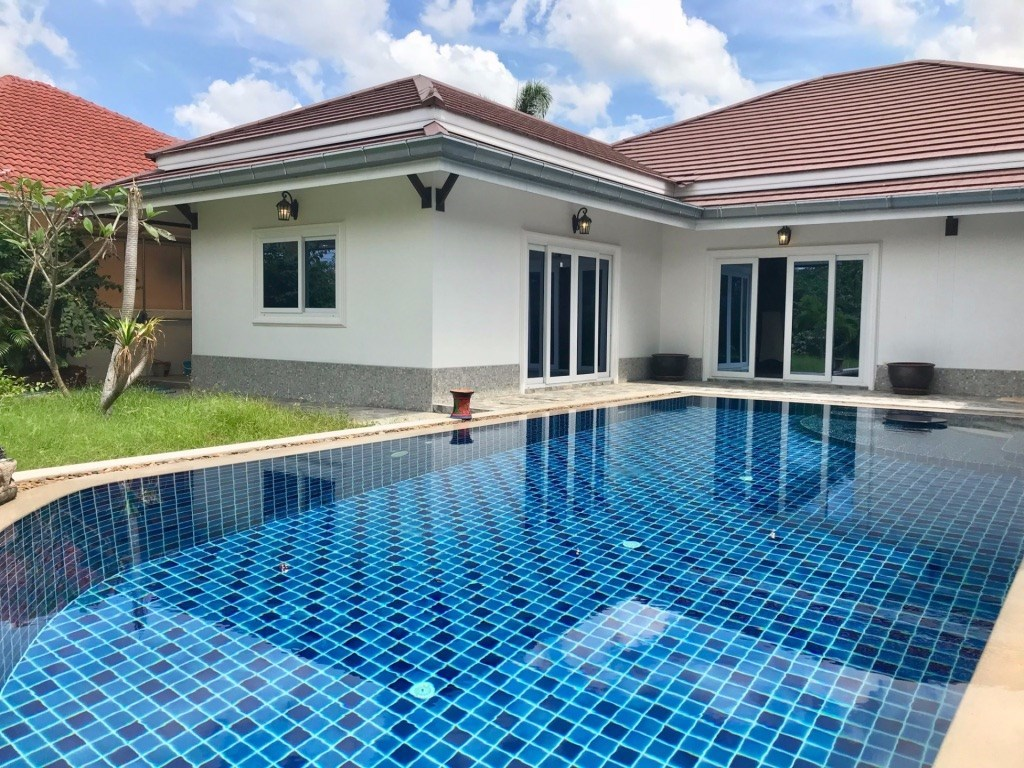 Villa with pool on corner lot in gated  village   - House - Bang Saray -