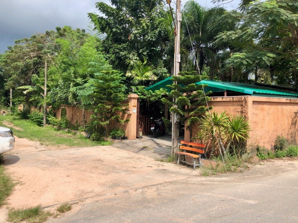 Main House and 2 guest cottages on 309 Talang Wah. - House - Sattahip - Sattahip