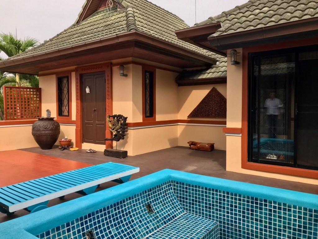 Well-priced Villa on 812 sq.m. plot at Phoenix Golf Estate  - House - Na Jomtien - Phoenix Golf Estate