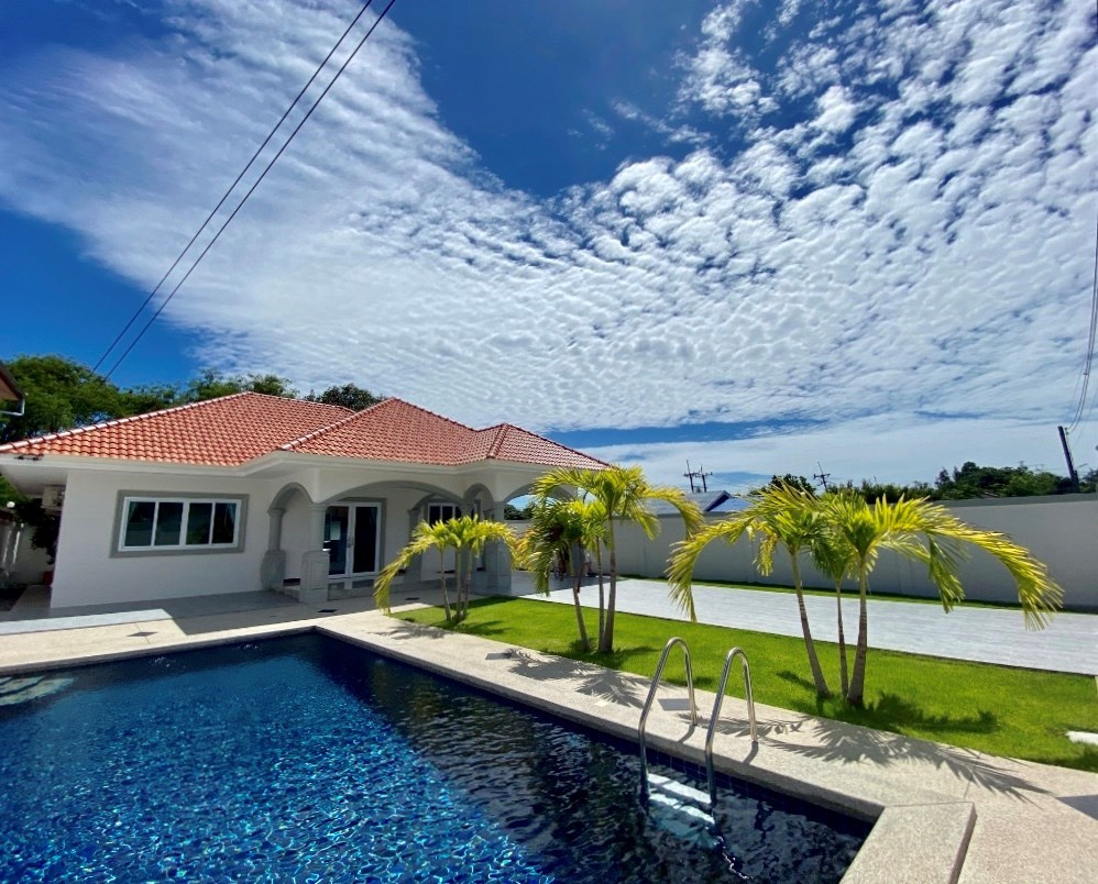 3 Bedroom 2 Bathroom Pool Villa in Ban Saray 4 minutes from the beach - House - Bang Saray -