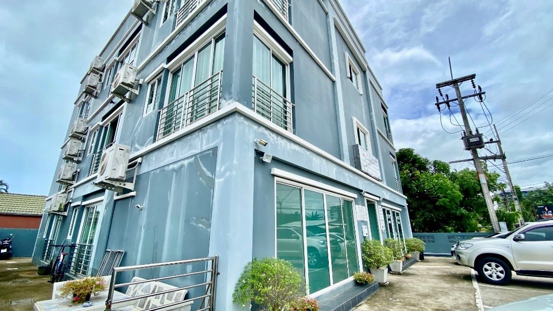 3 Story apartment with 14 rooms for Rent in Bang Sare  - Commercial - Bang Saray -