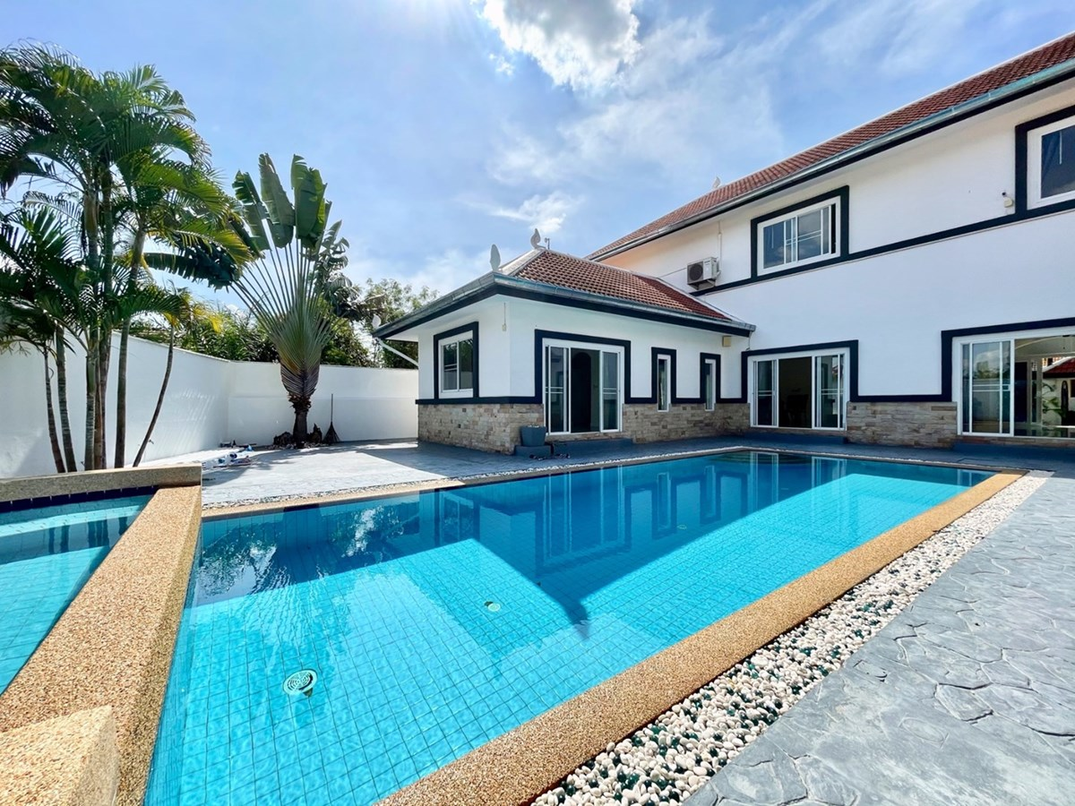 4 bedroom luxury pool villa in the gated community - House - Huay Yai -